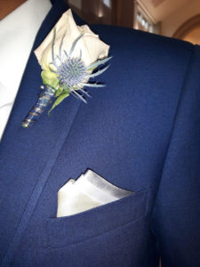 perfect_3_peak_pocket_square_on_groom